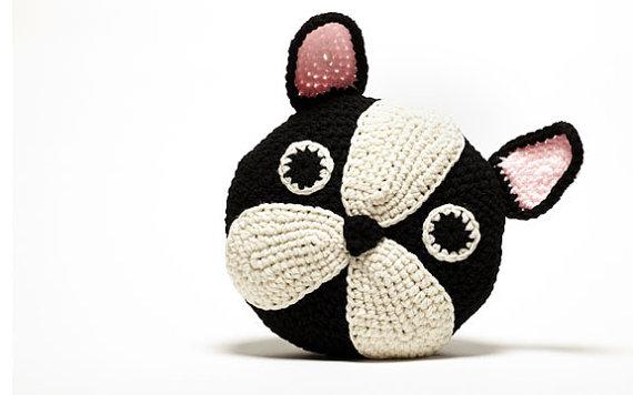 Декоративные подушки своими руками, вязанные крючком в виде животных
