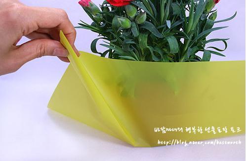 Как украсить горшок с цветами для подарка 821