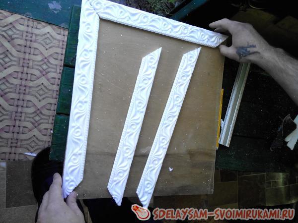 Фоторамка своими руками из потолочного плинтуса