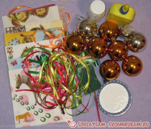 Новогодний декупаж шаров своими руками пошаговое