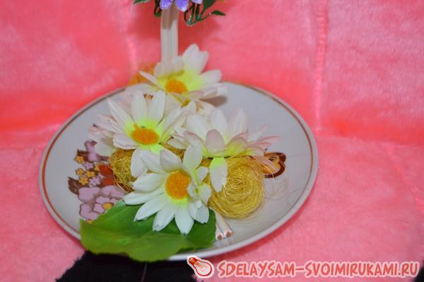 Как сделать льющиеся из кружки цветы - Полезное хобби